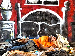 Graffiti Artist Humanizes the Homeless by Painting Their Dreams