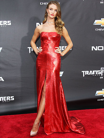 Sofia Vergara and Other Stars Who've Channeled Jessica Rabbit (PHOTOS)| Ariana Grande, Sofia Vergara, Who Framed Roger Rabbit, Who Framed Roget Rabbit?, Individual Class