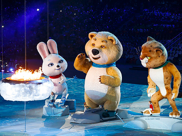 Sochi Mascots Return for Closing Ceremony