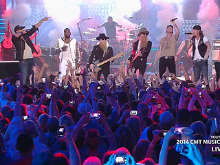Jason Derulo Crashes Star-Studded CMT Awards Opener | CMT, CMT Music Awards 2014, Individual Class