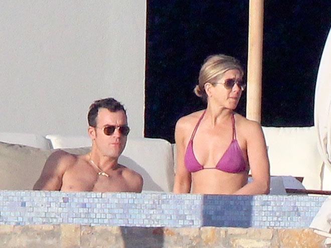 BABY, IT'S HOT OUTSIDE photo | Jennifer Aniston, Justin Theroux