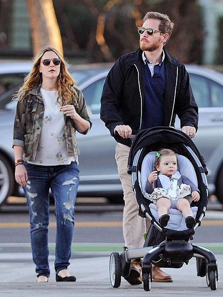 Дрю Бэрримор с мужем и дочерью