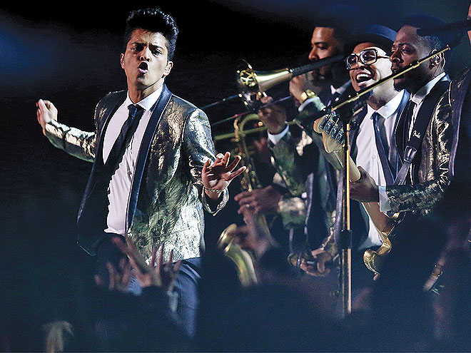 SHOW STOPPER photo | Bruno Mars
