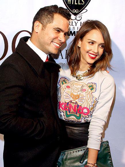 HAPPY COUPLE photo | Cash Warren, Jessica Alba