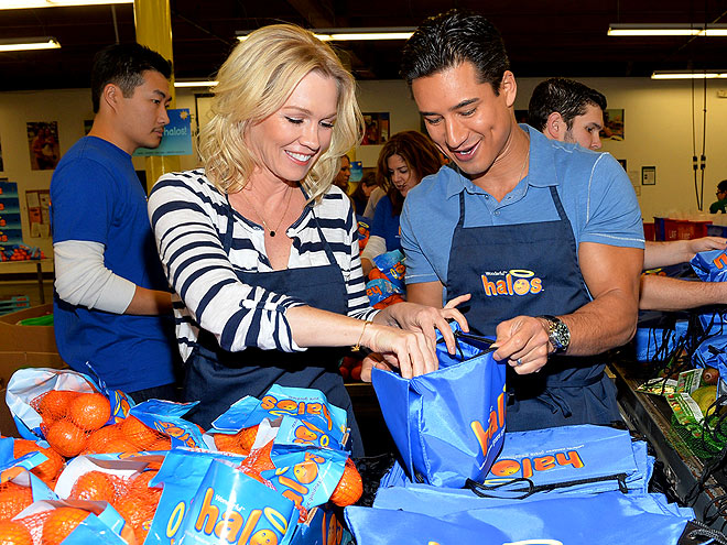 FOOD FOR THOUGHT photo | Jennie Garth, Mario Lopez