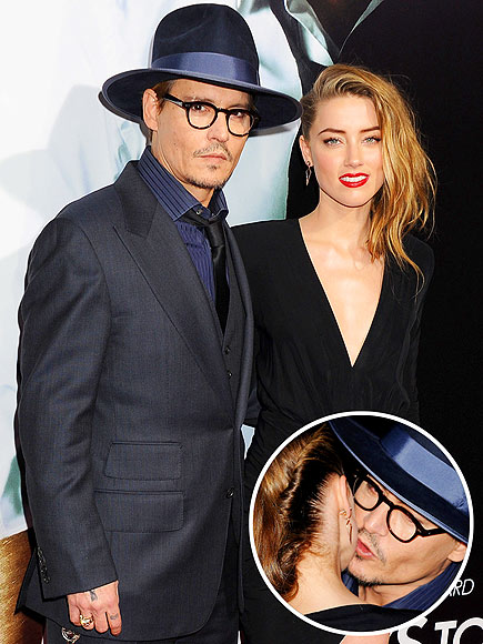 SHOW OF SUPPORT photo | Amber Heard, Johnny Depp