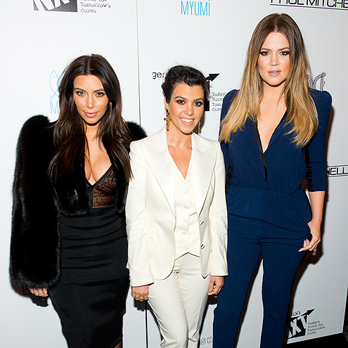 GROUP EFFORT photo | Khloe Kardashian, Kim Kardashian, Kourtney Kardashian