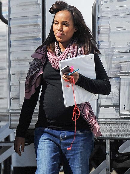 PREGNANT PAUSE photo | Kerry Washington