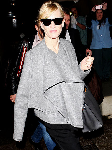 EAGER ARRIVAL photo | Cate Blanchett