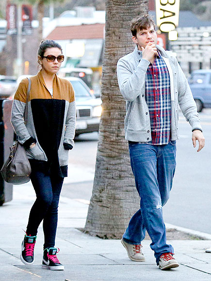 CASUAL DATE NIGHT photo | Ashton Kutcher, Mila Kunis