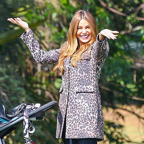 BRIGHT & SMILEY photo | Sofia Vergara