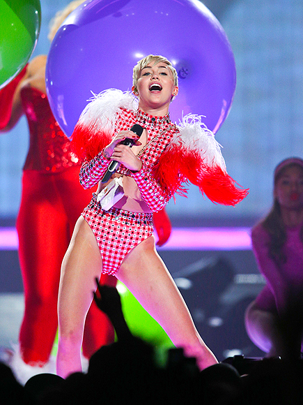 RED-Y FOR THIS? photo   Miley Cyrus