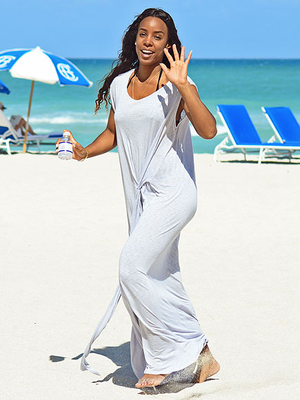 BEACH BABE photo | Kelly Rowland