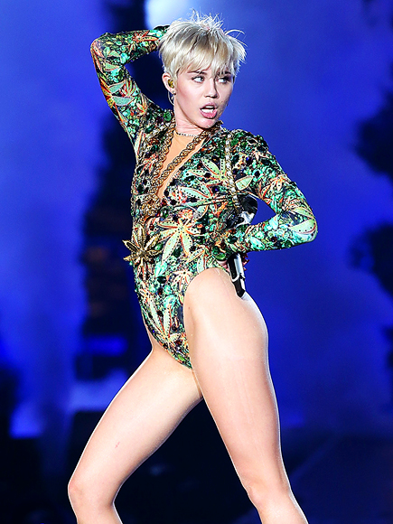 THIGH & MIGHTY photo | Miley Cyrus