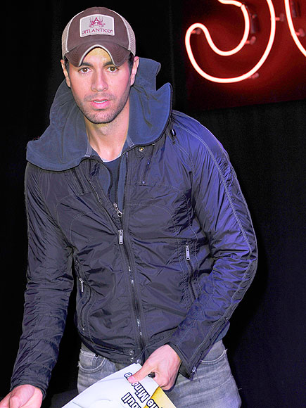 CROWD PLEASER photo | Enrique Iglesias