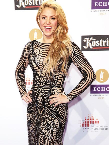 SKIN IS IN photo | Shakira