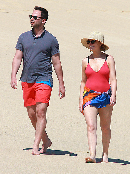 JUST BEACHY photo | Amy Poehler, Nick Kroll