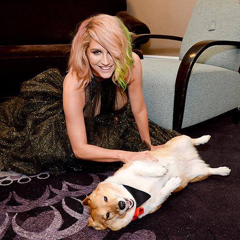 POP STAR'S BEST FRIEND photo | Kesha