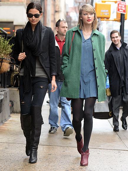 CITY WALK photo   Lily Aldridge, Taylor Swift