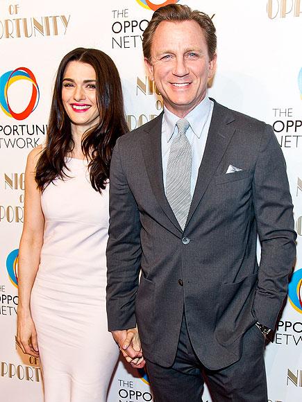 THE GIVERS photo | Daniel Craig, Rachel Weisz