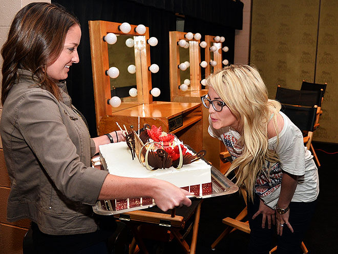 TAKING THE CAKE photo | Jamie Lynn Spears