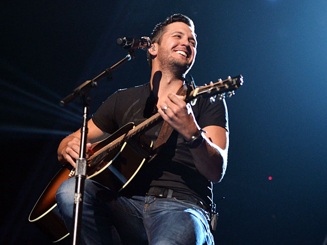 STRUM'S THE WORD photo | Luke Bryan