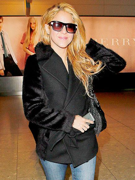 QUICK CHANGE photo | Shakira
