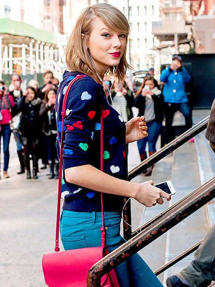 SWEATER WEATHER photo | Taylor Swift
