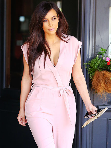 PRETTY SIMPLE photo | Kim Kardashian