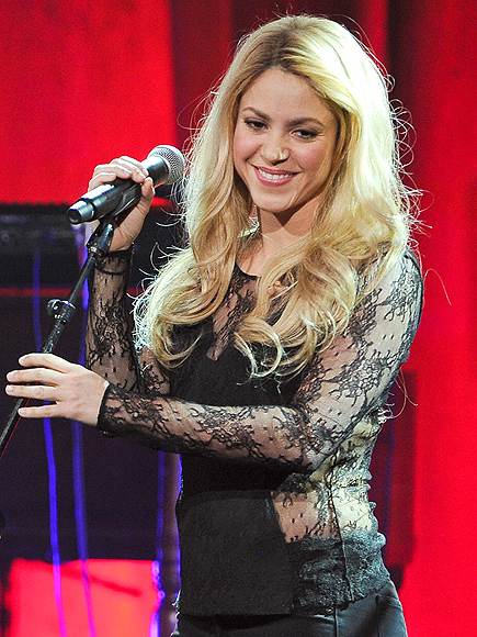 MIC CHECK photo | Shakira