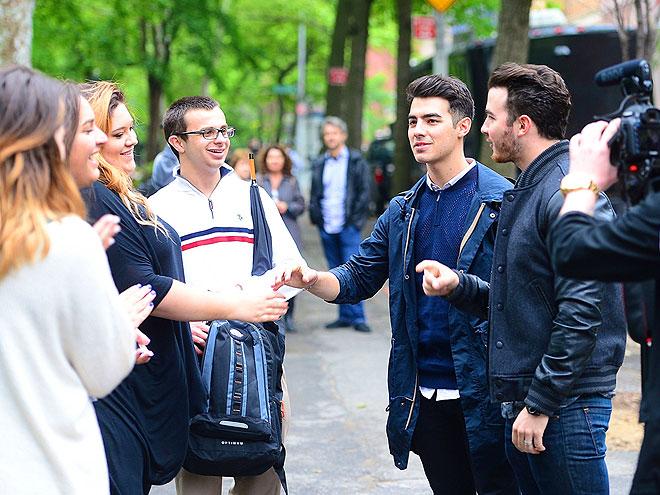 ON THE HUNT photo | Joe Jonas, Kevin Jonas