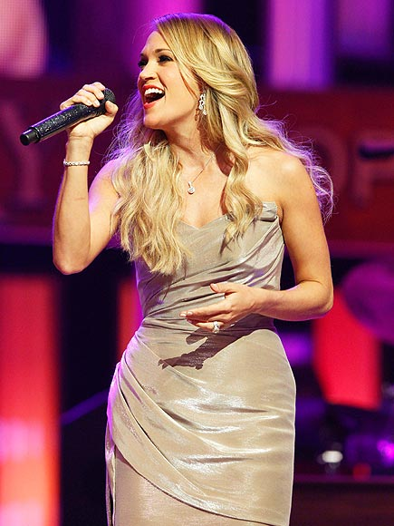 HAVING A 'GRAND' TIME photo | Carrie Underwood