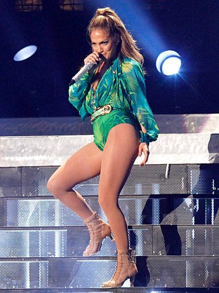 HAPPY HOMECOMING photo | Jennifer Lopez
