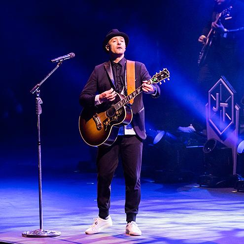 ROCKING OUT photo | Justin Timberlake