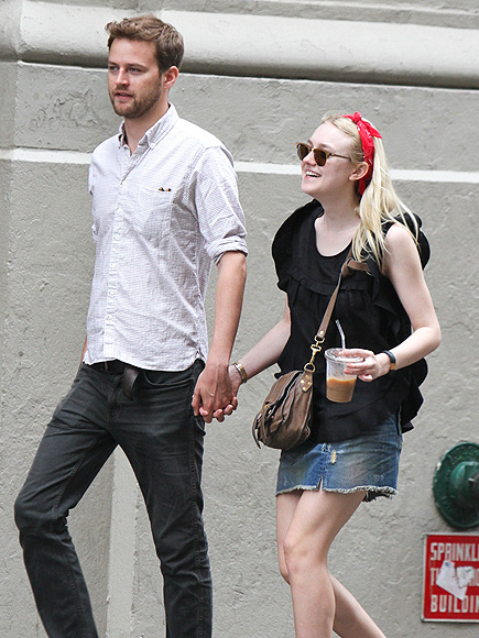 CUTE COUPLE photo | Dakota Fanning