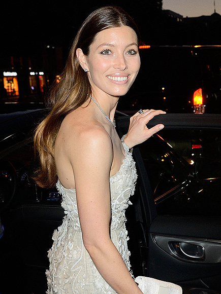 ALL LIT UP photo | Jessica Biel