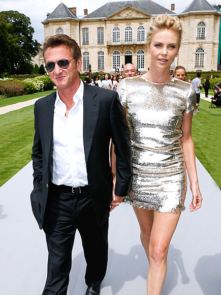 FASHION FORWARD photo | Charlize Theron, Sean Penn