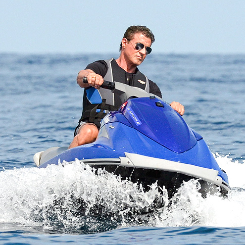 WAVE ON photo   Sylvester Stallone