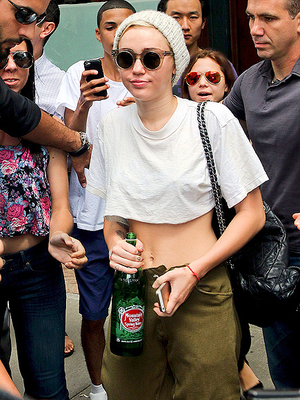 TUMMY TIME photo   Miley Cyrus