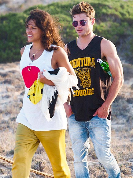HOTS FOR YOU photo | Michelle Rodriguez, Zac Efron
