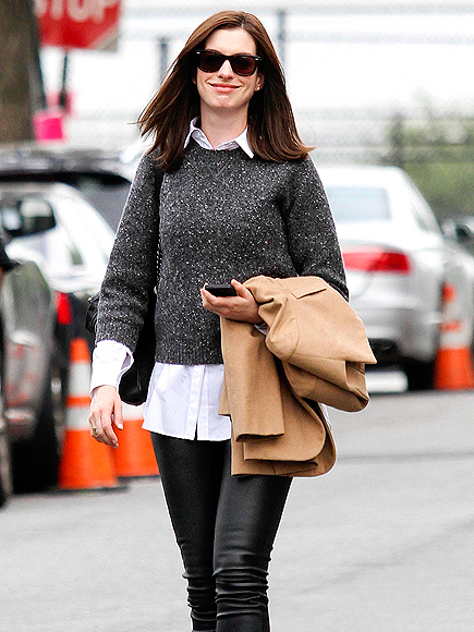 VA VA VOOM photo | Anne Hathaway