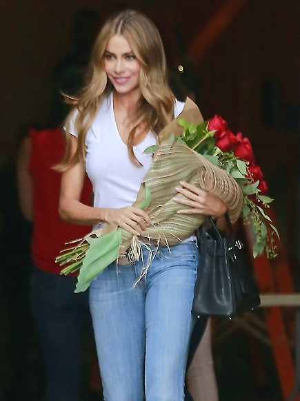 FLOWER GIRL photo | Sofia Vergara