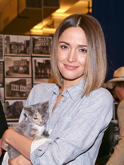 A 'PURR'-FECT DAY photo | Rose Byrne