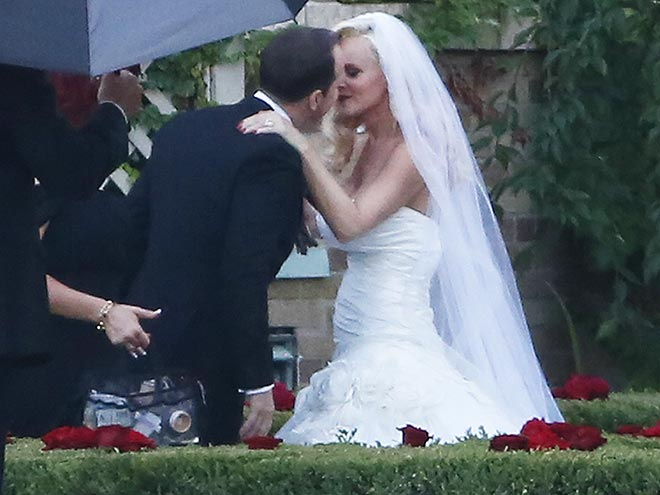 NEW BRIDE ON THE BLOCK photo | Donnie Wahlberg, Jenny McCarthy