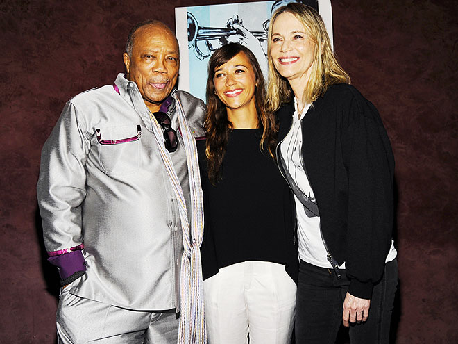 ... Friday, September 19, 2014 - FAMILY MATTERS - Star Tracks : People.com Kendra Wilkinson And Hank Baskett Family