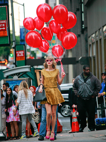 SEEING RED (BALLOONS) photo | Taylor Swift