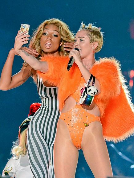 INSTA-CONCERT photo | Miley Cyrus