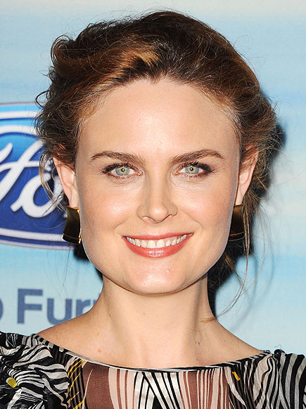 EMILY DESCHANEL photo | Emily Deschanel