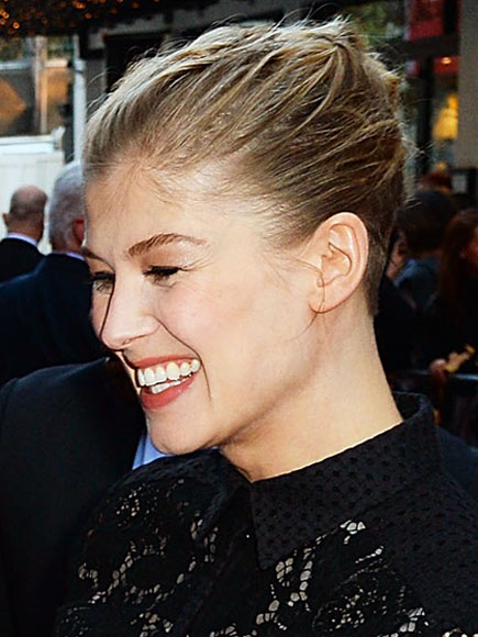 photo | Rosamund Pike