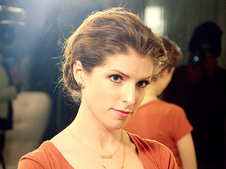 Anna Kendrick's Oscars Hair Trial Is Equal Parts Gorgeous and Hilarious